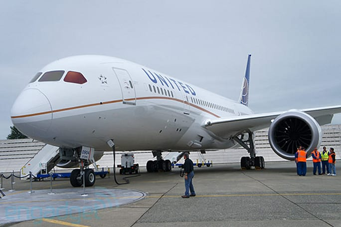 Boeing prepares to deliver United's 787 Dreamliner, we climb aboard for a tour (video)