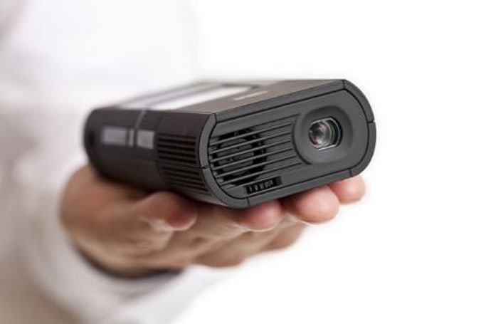 3M MP160 and MP180 pico projectors bring business casual to your pocket, sort of