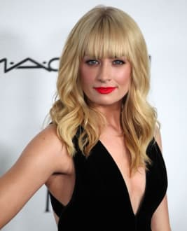 Beth  Behrs photo