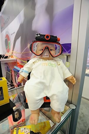 Crapgadget CES, round seven: MiniDV underwater goggles for all ages