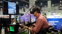 VR世界を歩けるデバイス「Omni」が米国外への出荷をキャンセル、出資者には利息付きで払い戻しへ。流通コスト膨張