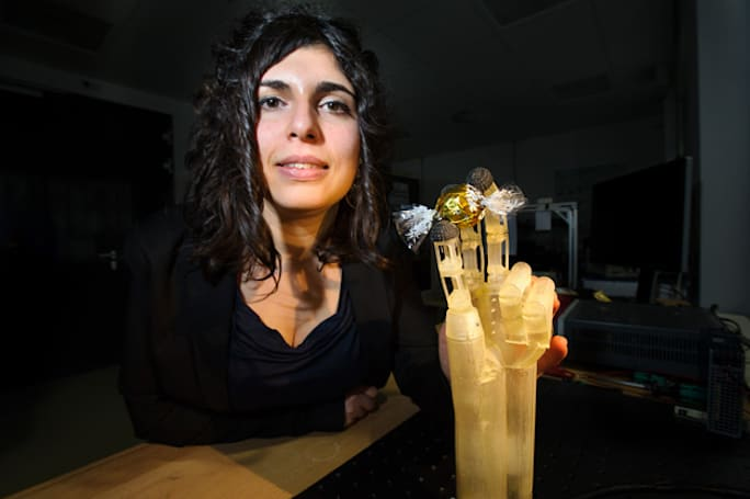 Super-precise artificial hand uses smart wires as muscles
