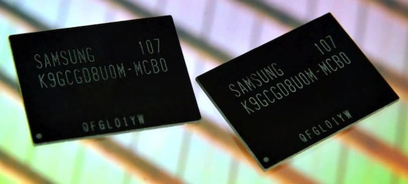 Samsung's 64Gb toggle DDR 2.0 NAND flash memory with 400Mbps transfer rate hits production