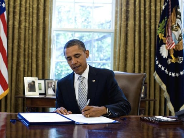 President Obama signs $19 billion NASA funding bill into law