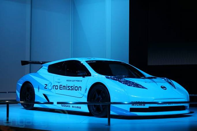 Nissan Leaf Nismo RC all-electric race car eyes-on