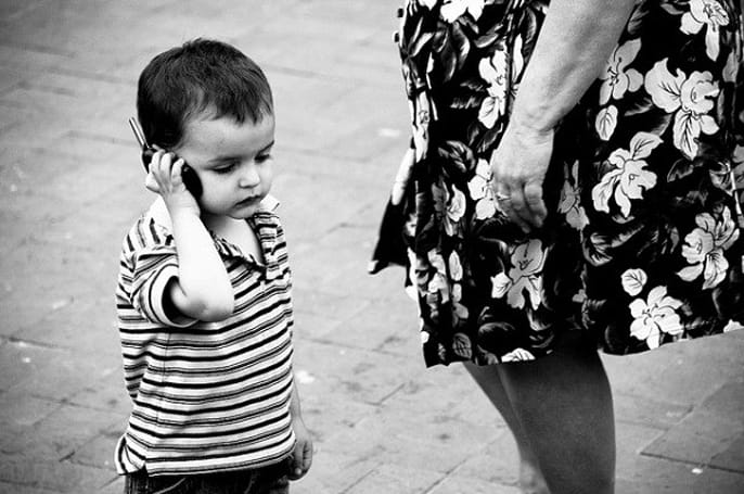 Cellphones are dangerous / not dangerous: little tykes under the spotlight