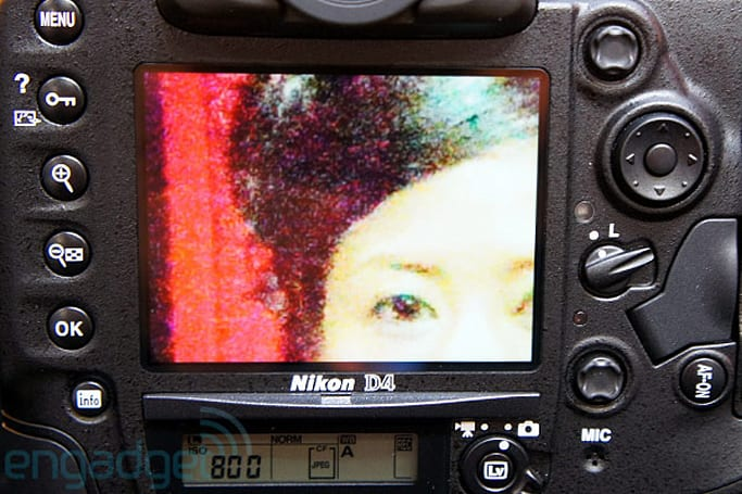 Canon EOS-1D X and Nikon D4 ISO 204,800 shooting hands-on (video)
