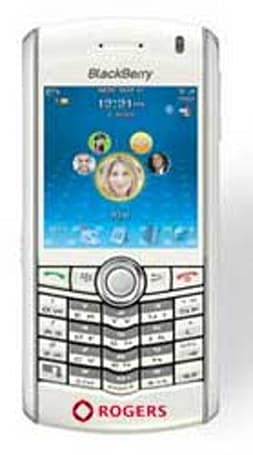 Rogers pumps out its own Blackberry Pearl -- in white