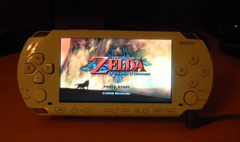 Fusion Micro mod weds PSP and GameCube hardware, but battery won't last the honeymoon