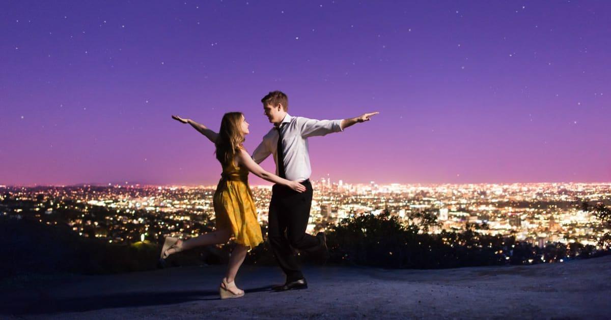 These 'La La Land' Engagement Pics Capture That Old Hollywood Romance