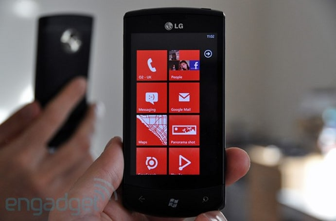 LG Optimus 7 review