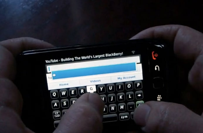 BlackBerry Bold 9800 caught sliding through OS 6 on video