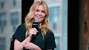 Julia Stiles Discusses Working With Director Paul Greengrass