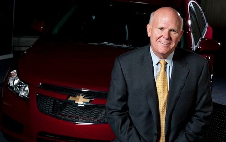 CE-Oh no he didn't!: GM's Dan Akerson says he 'wouldn't be caught dead in a Prius'