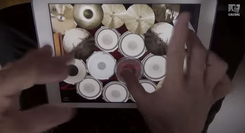 You won't believe the fast fingers of this iPad and iPhone 6 Plus drummer