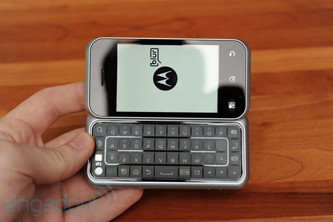 Motorola Backflip now scheduled to get Android 2.1 update in Q3