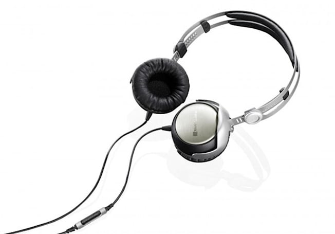 Beyer T 51 i headphones are a sonic treat for your iOS device