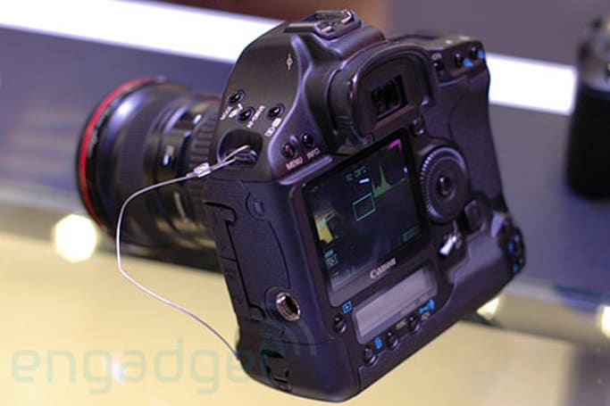 Hands-on with Canon's EOS 1D Mark III DSLR