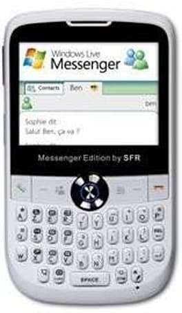 Microsoft's Windows Live Messenger phone for France is hardly Pink