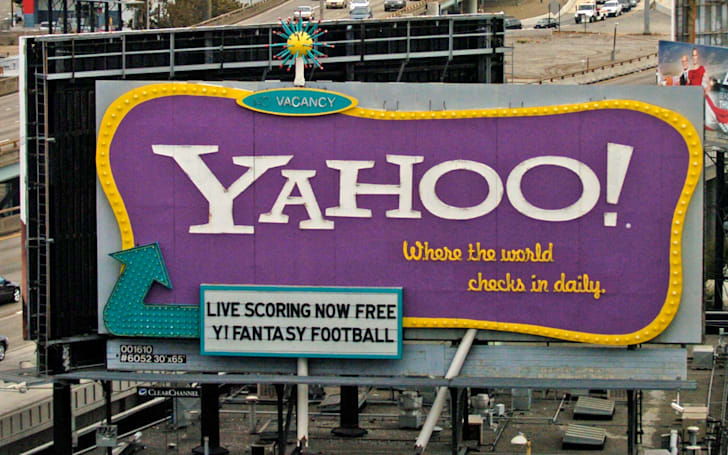 Yahoo revives its signature San Francisco billboard