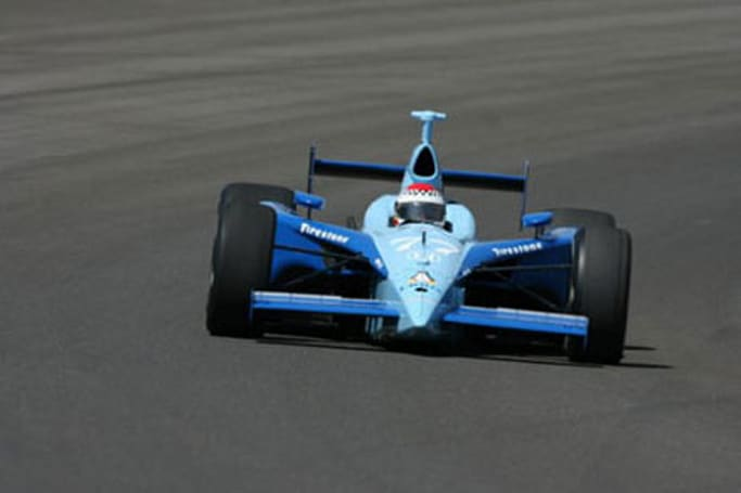 """""""Linux car"""" first to crash at Indianapolis 500"""