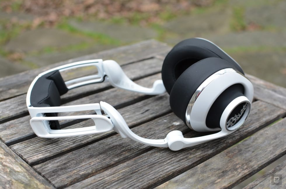 Blue's Lola headphones nix features in favor of comfort