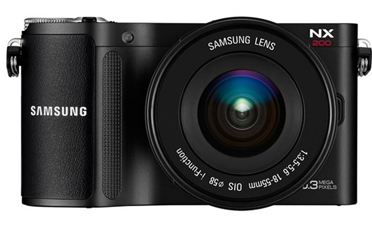 Samsung's NX200 camera: 20.3 megapixels, interchangeable lenses, full HD video
