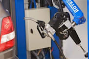 Dutch robot promises to fill your gas tank, won't clean windshield