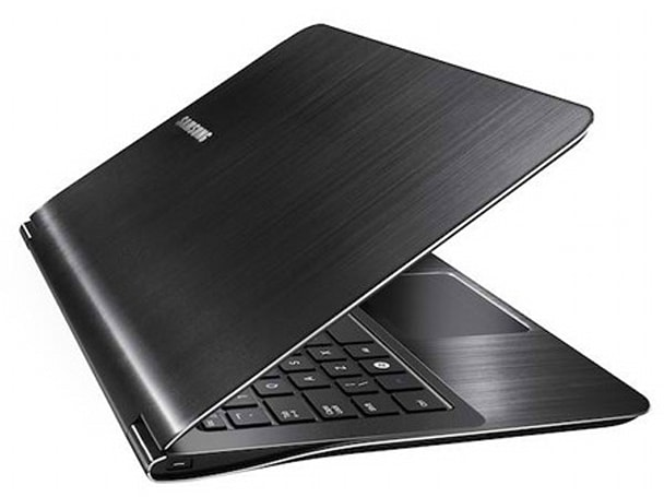 Samsung's ultrathin 11.6-inch 9 Series laptop appears in Italy, gets hands-on treatment (video)