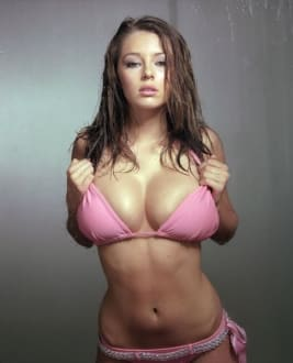 Keeley  Hazell photo
