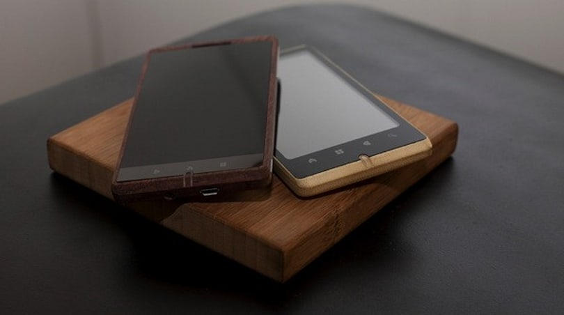 ADzero Bamboo cellphone's aiming for the giant Panda market (video)