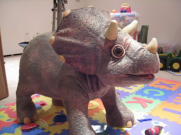 Kota the Triceratops unboxing and hands-on