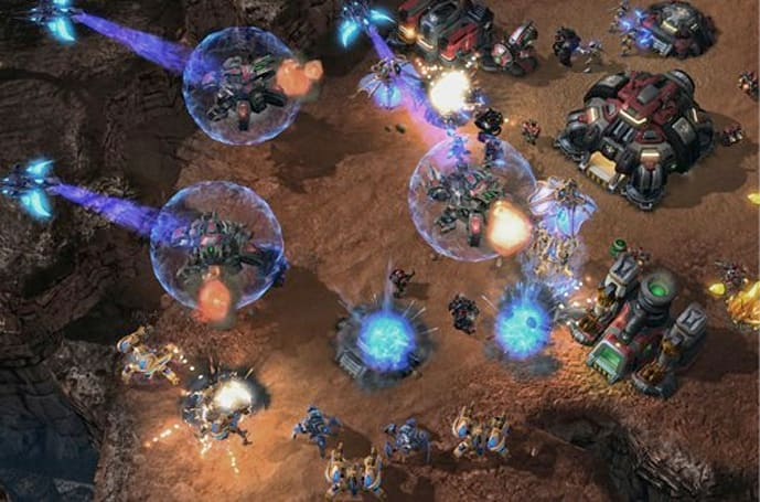 StarCraft 2 free for WoW players in Korea, loses 18+ rating
