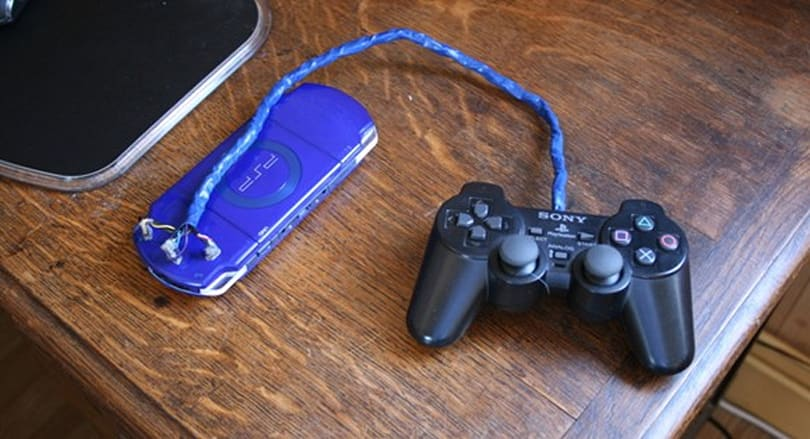 PSP hack allows for DualShock 2 control