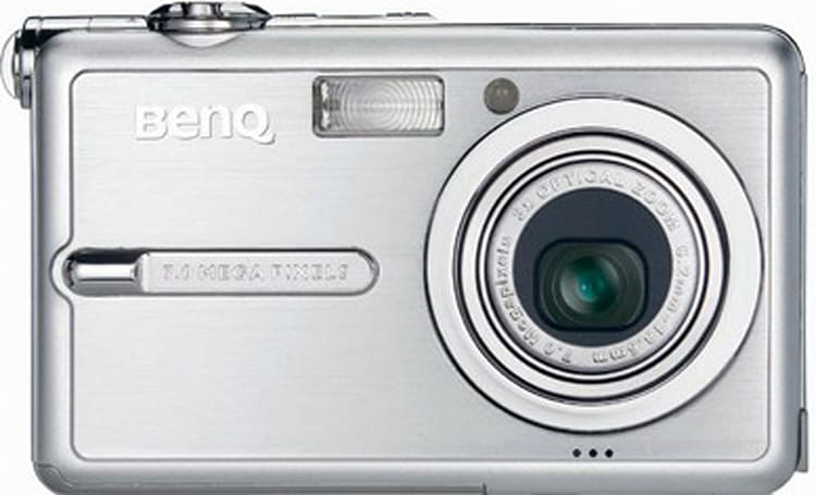 BenQ X710, the latest iteration of the super-slim digicams