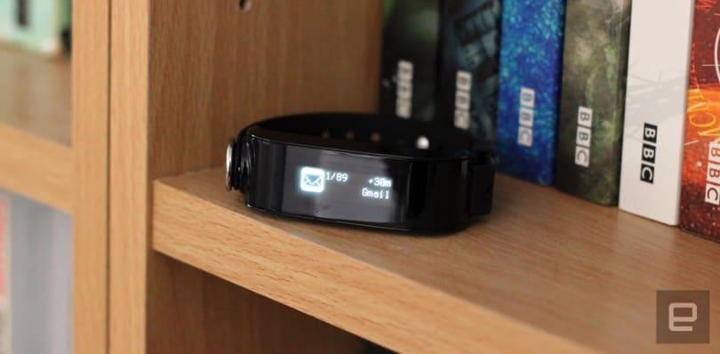 Uno's speed-reading wristband feels like a work in progress