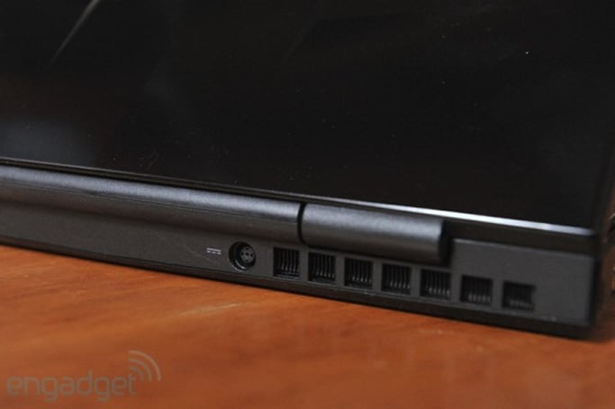 Alienware M11x hinge issues? Yeah, Dell knows