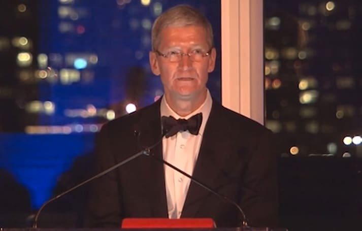 Tim Cook talks equality and human rights while receiving Lifetime Achievement Award from alma mater Auburn