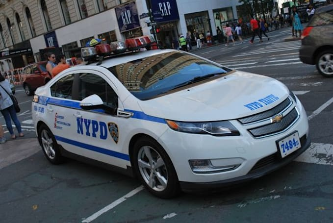 FBI accuses NYPD officer of scamming road accident victims