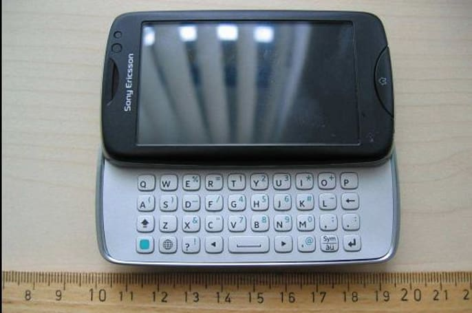 Sony Ericsson txt pro examined by FCC, 3G lovers shunned