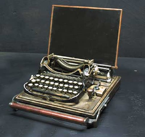 Steampunk laptop comes complete with Morse key
