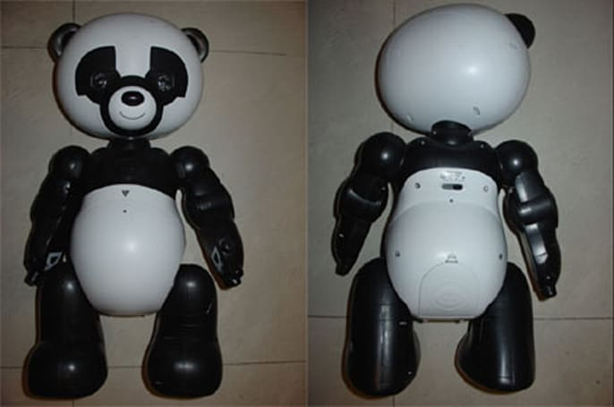 WowWee's Robopanda snuggles up to the FCC