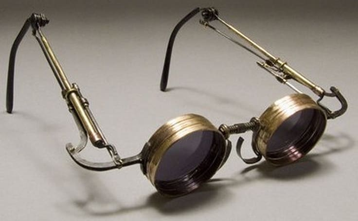 Vintage mechanical spectacles take you way back