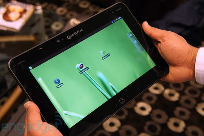 Qualcomm announces Snapdragon S4 Liquid mobile development platform tablet on The Engadget Show, we go hands-on (video)