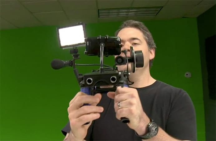 Video: iPhone 3GS gets professional shoulder mount, we giggle