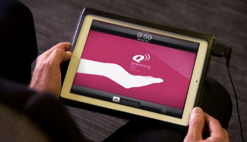 Qantas to hand out free iPads to all passengers on Boeing 767s, save fuel and our sanity (video)