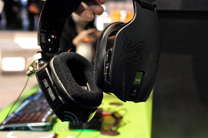 Razer Chimaera emerges at CES 2011, starts shipping to consumers