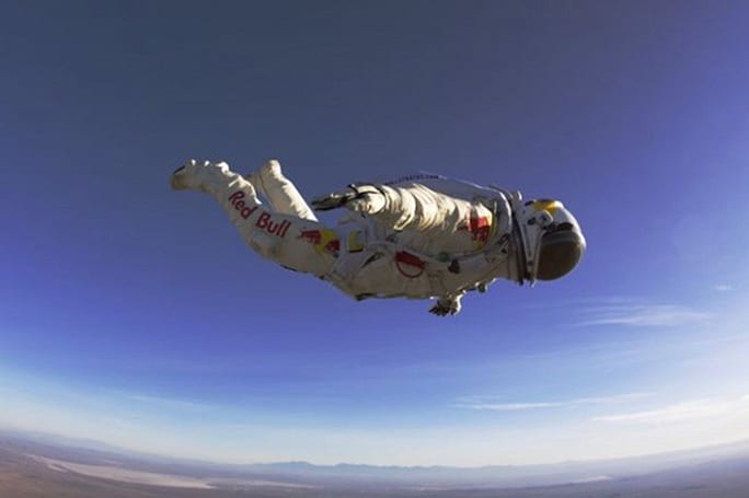 Record-breaking freefall advances space suit technology (video)