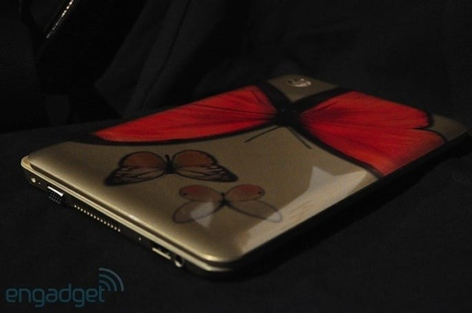 HP Mini 210 Vivienne Tam Edition leaps off the runway and into our hands