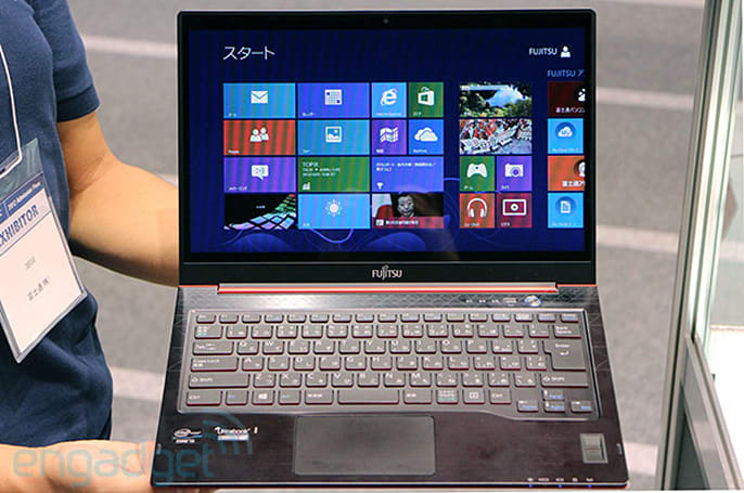 Fujitsu Lifebook UH75 running Windows 8 at CEATEC (hands-on video)